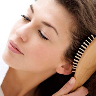 17-сильное-выпадение-волос-у-женщин-что-делать-4