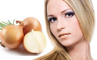 От выпадения волос помогут маски из лука