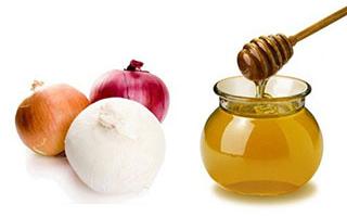 Против выпадения волос помогут медово-луковые маски